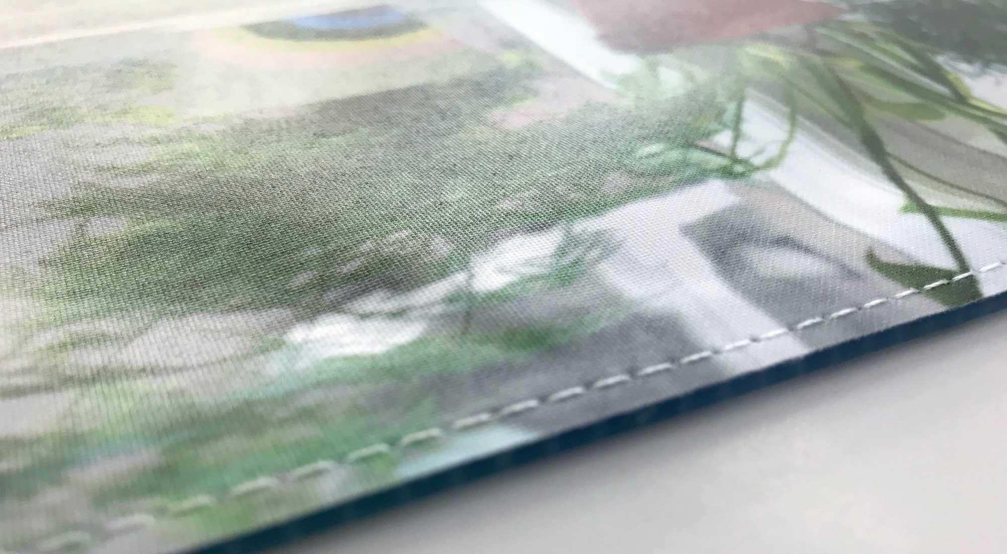 Bedruckter Stoff mit angenähtem Keder © Atelier Haase - Foto: Katharina Hansen-Gluschitz