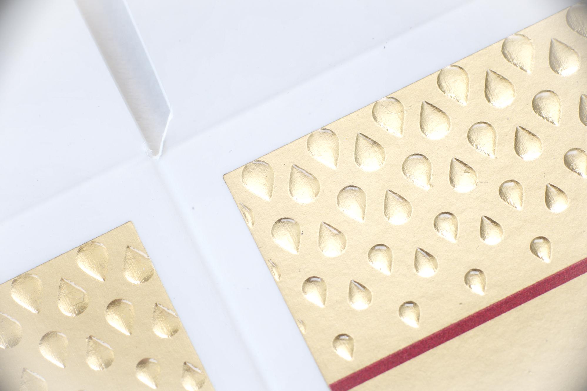 Blindprägung und Siebdruck © Atelier Haase - Foto: Katharina Hansen-Gluschitz
