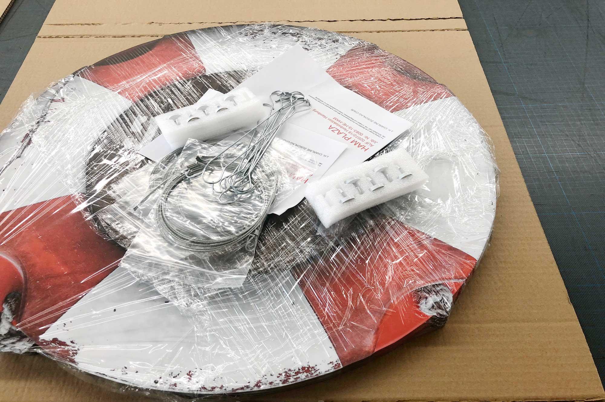 Deckenhänger mit Zubehör. bereit für die Verpackung © Atelier Haase - Foto: Katharina Hansen-Gluschitz