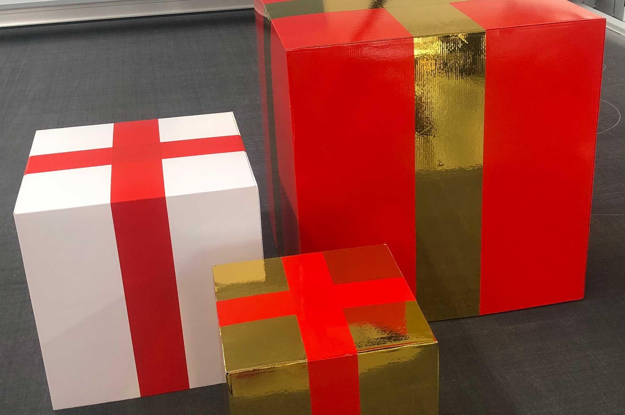 Geschenkpakete als Dekoration © Atelier Haase - Foto: Hans-Heinrich Haase