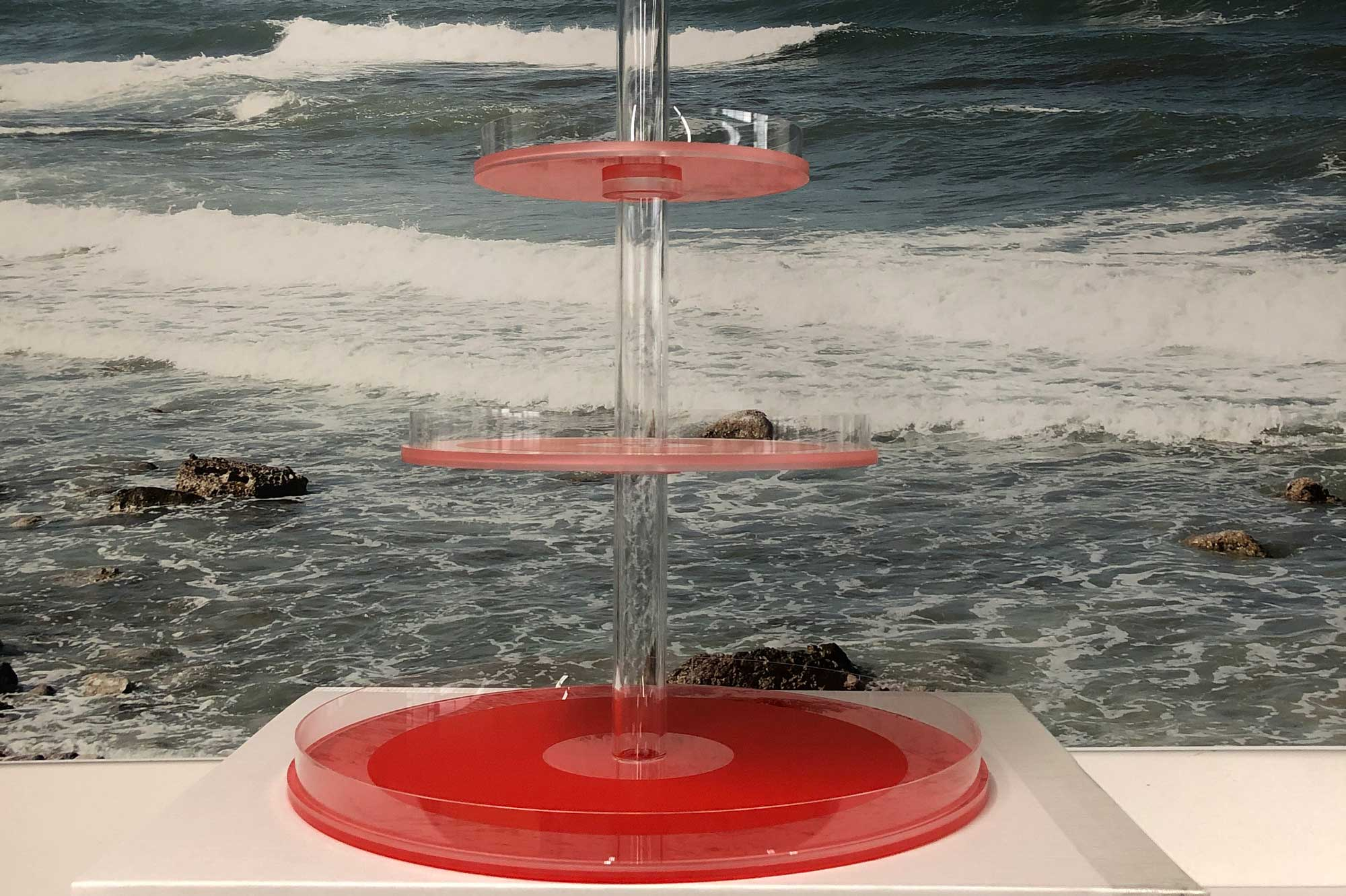 Etagere aus Acryl © Atelier Haase - Foto: Hans-Heinrich Haase