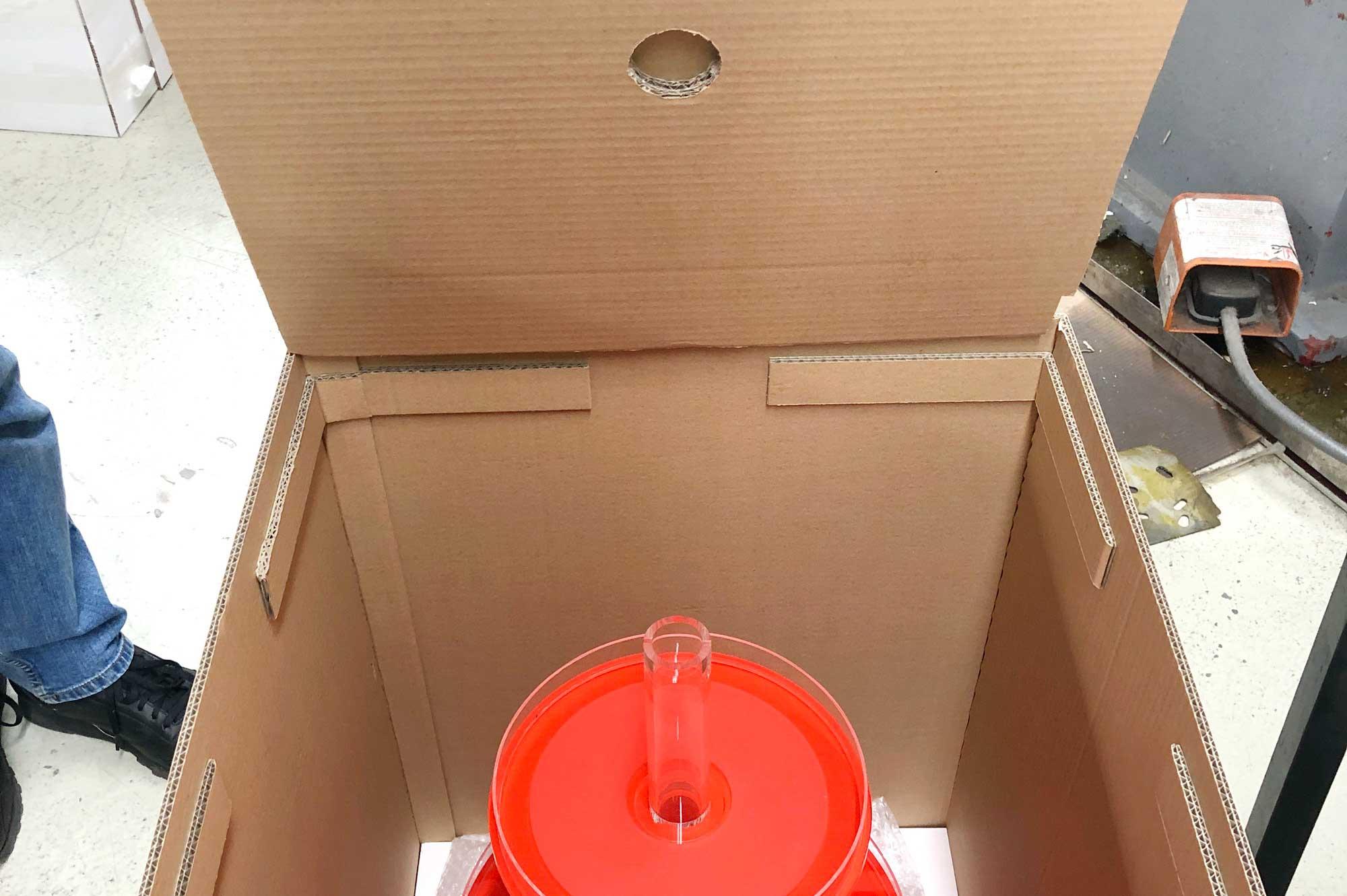 Etagere im extra dafür gefertigten Karton © Atelier Haase - Foto: Hans-Heinrich Haase