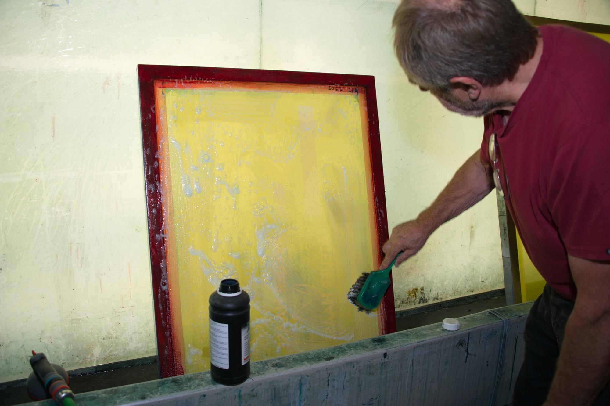 Sieb waschen H.-H. Haase © Atelier Haase - Foto: Katharina Hansen-Gluschitz